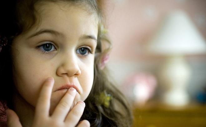 Девочка не может говорить