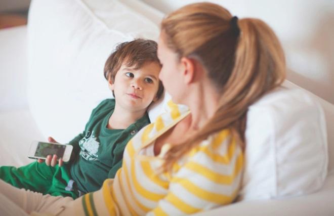 Мальчик и его мама