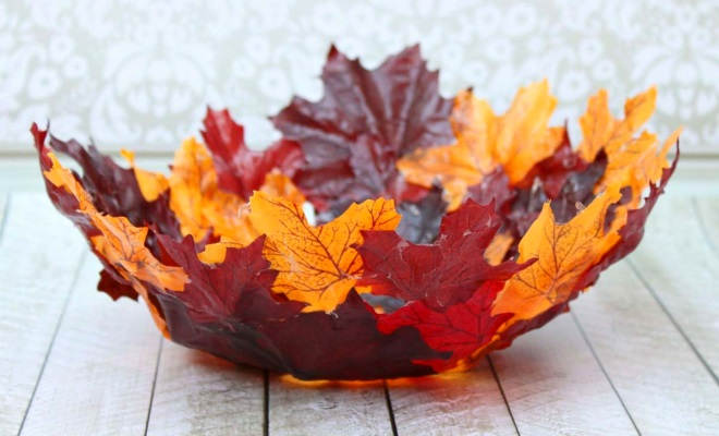 Корзина из листьев