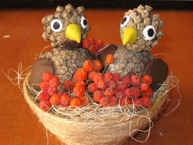 Птенцы из шишек