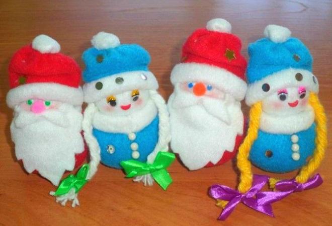 Новогодние игрушки из флиса