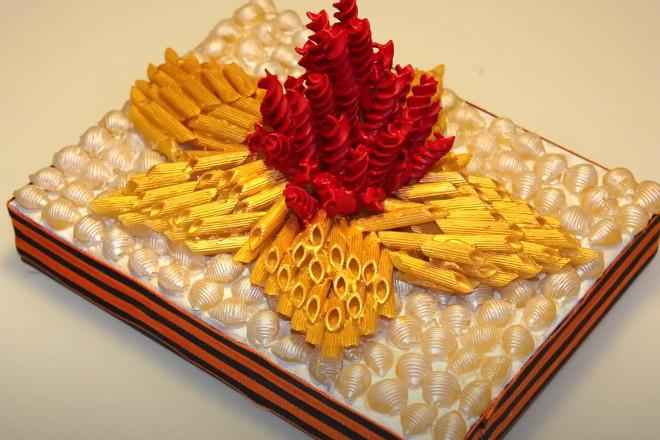Вечный огонь из макарон