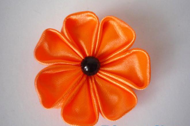 Цветок на георгиевскую ленту