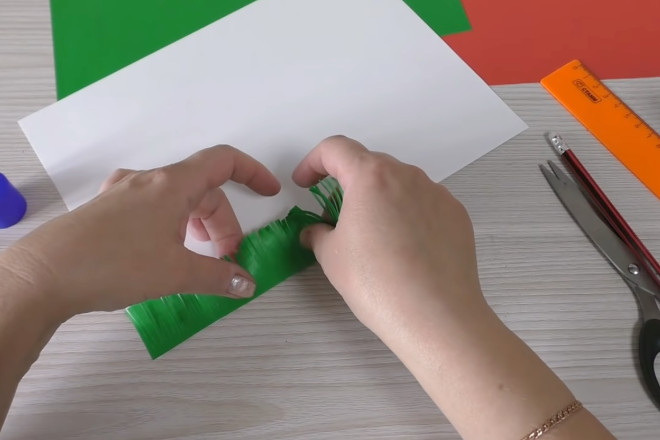 Приклеить на лист бумаги