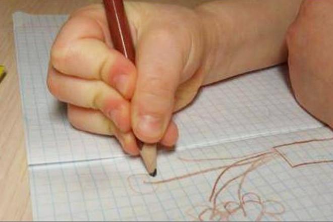 Неправильный захват карандаша