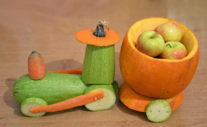 Паровозик из кабачков и тыквы
