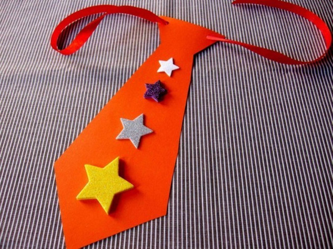 Открытка галстук со звездами