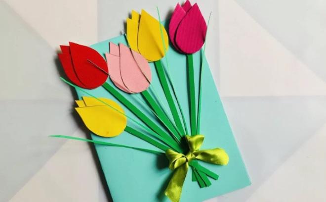 Открытка с тюльпанами из бумаги