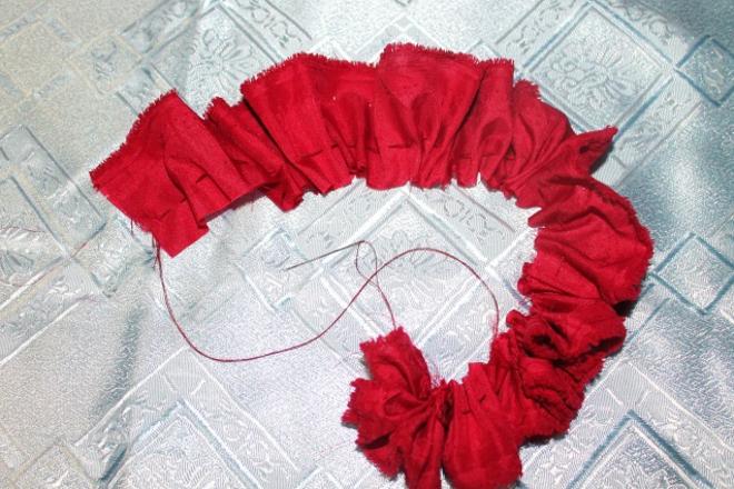 Собирание ткани на нитку